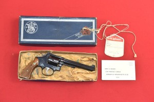 #3210 REWOLWER SMITH & WESSON, MODEL 14-3, Kal.38S&W