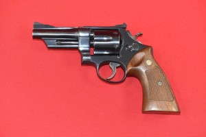 "#3472 REWOLWER SMITH & WESSON, PATROLMAN, 4"", 28-2, Kal.357 Mag."
